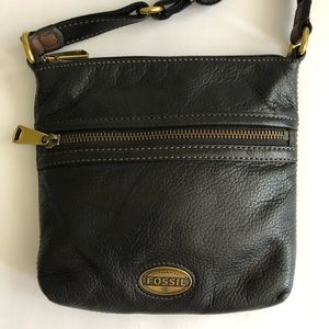 Fossil Explorer Front Zip Leather Crossbody Purse